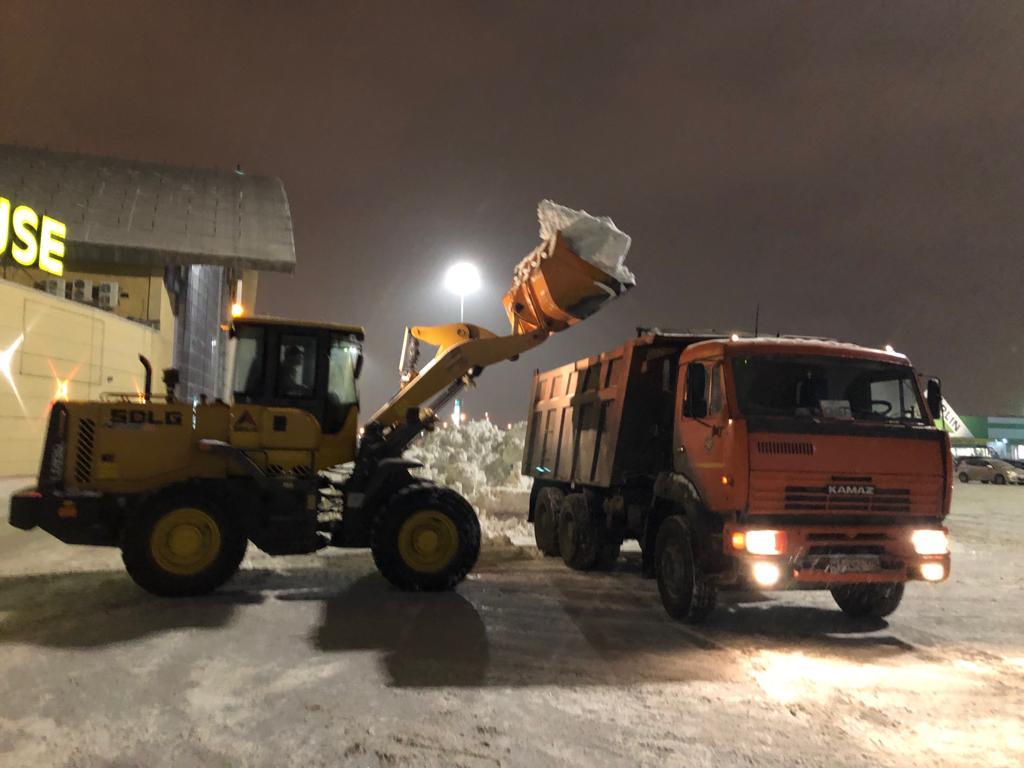 вывоз снега в Питере